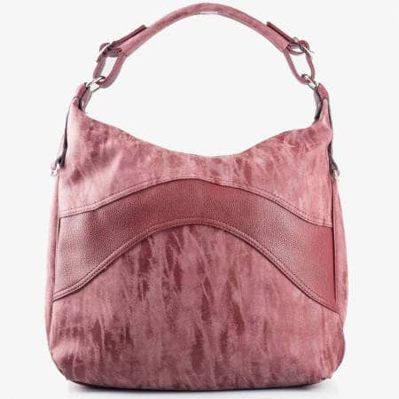 Дамска стилна чанта в цвят бордо с една дръжка и комбинация от гладка кожа и трит ефект ch1234bd