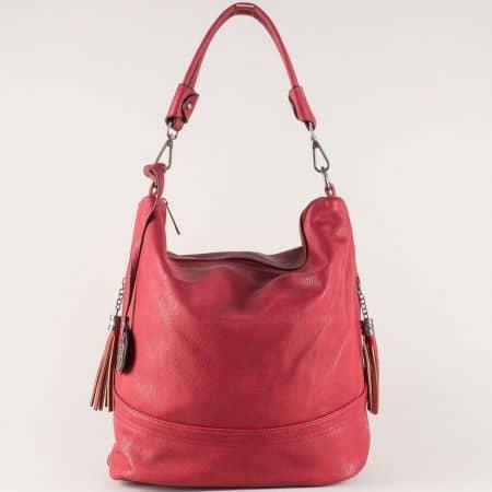 Дамска чанта в червено на български производител ch154chv
