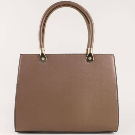 Дамска чанта в кафяво от висококачествена еко кожа с две къси и дълга дръжка ch280016k