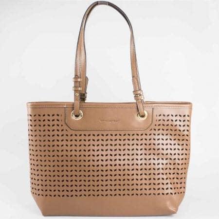 Дамска стилна чанта на водещия френски производител David Jones в кафяв цвят ch3975-1k