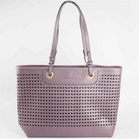 Дамска спортно-елегантна чанта с перфорация на френския производител David Jones в сив цвят ch3975-1sv