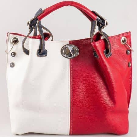 Дамска ежедневна чанта със свежа визия на български производител в червен и бял цвят ch425bd1