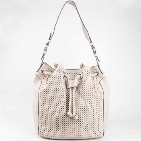 Дамска атрактивна чанта с младежка визия и перфорация на френския производител David Jones в сив цвят ch5032-2sv