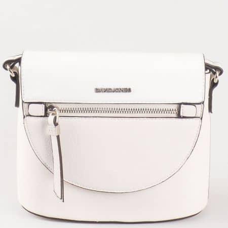 Дамска малка чантичка с атрактивна визия за всеки ден на френския производител David Jones в бяло ch5068-1b