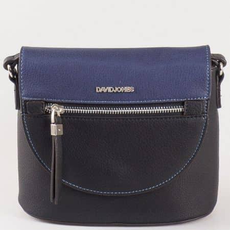 Дамска малка чантичка с кокетна атрактивна визия и капак на френския производител David Jones в синьо и черно  ch5068-1ch