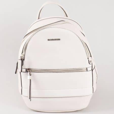 Дамска раница за всеки ден с атрактивна визия на френския производител David Jones в бяло ch5068-3b