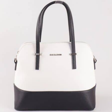Дамска чанта за всеки ден със атрактивна визия на David Jones в съчетание от бяло и черно ch5077-1bch