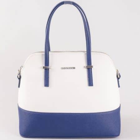 Дамска стилна чанта за всеки ден в ефектно цветово съчетание на френската марка David Jones в бяло и синьо ch5077-1bs