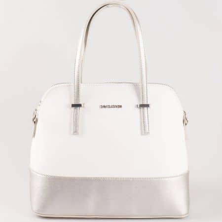 Дамска чанта с атрактивна визия за всеки ден на френската марка David Jones в сребристо и бяло ch5077-1bsr