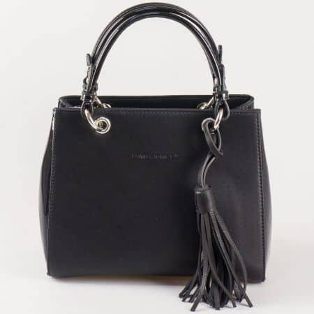 Дамска чанта с атрактивна визия и пискюл на френската марка David Jones в черен цвят ch5078-1ch