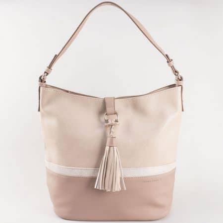 Дамска атрактивна чанта за всеки ден с пискюл на френския производител David Jones в бежов цвят ch5080-2bj