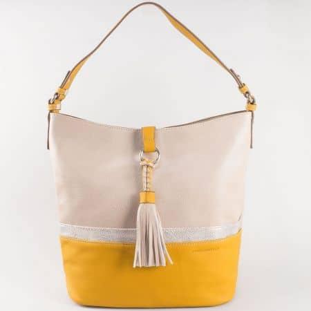 Дамска стилна чанта с изчистен дизайн на френския производител David Jones в жълто и бежово ch5080-2j