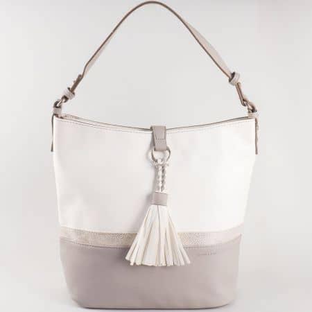 Дамска семпла чанта с пискюл и къса дръжка на известния френски производител David Jones в сиво и бяло ch5080-2sv
