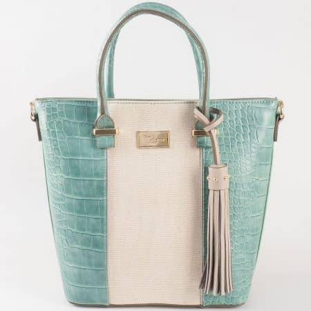 Дамска практична чанта за всеки ден с лятна визия на френския производител David Jones в съчетание от зелен и бежов цвят ch5082-2z