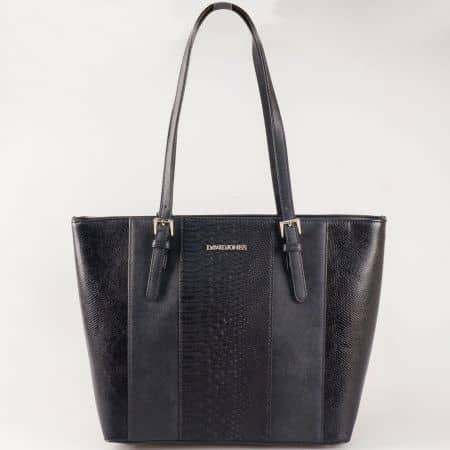 Дамска чанта за всеки ден с ефектен змийски принт на френския производител David Jones в черен цвят ch5086-1ch