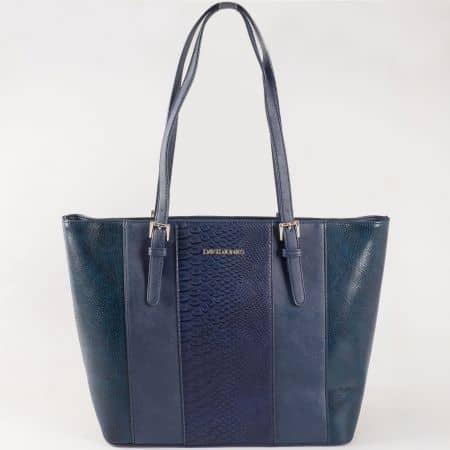 Дамска чанта за всеки ден с къси дръжки и змийски принт на френската марка David Jones в тъмно синьо ch5086-1s