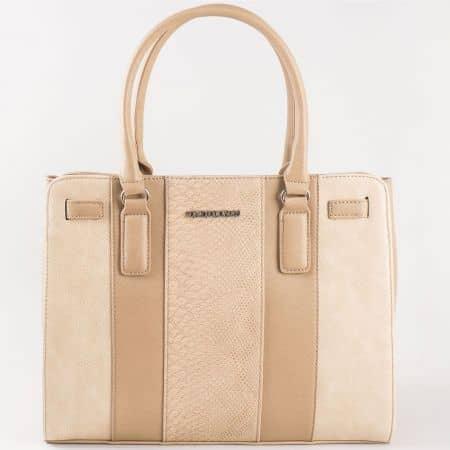 Дамска стилна чанта за всеки ден със семпла визия и змийски принт на френската марка David Jones в бежово ch5086-2bj
