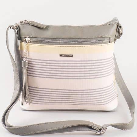 Дамска чантичка за всеки ден с дълга дръжка и преден джоб на David Jones в розово и сиво ch5090-1rz