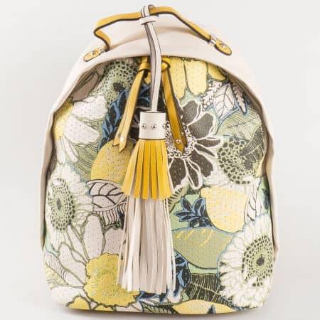 Дамска раничка с екстравагантна визия и флорални мотиви на френския производител David Jones в жълто и бежово ch5092-1j