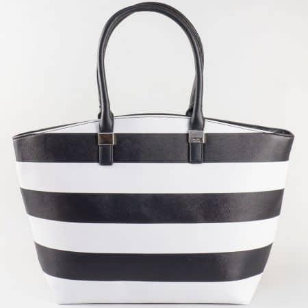 Дамска чанта за всеки ден на бели и черни райета на френския производител David Jones  ch5096-1ch