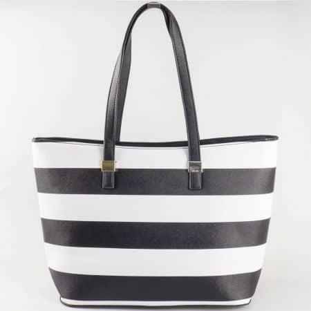 Дамска ежедневна чанта  на райета с къса дръжка на френския производител David Jones в бяло и черно ch5096-2ch