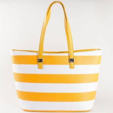 Дамска атрактивна чанта с твърда кожа на райета на френския производител David Jones в жълто и бяло ch5096-2j