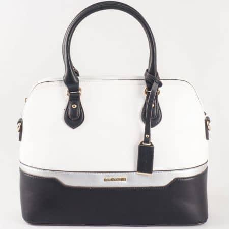 Дамска ежедневна чанта с атрактивна визия в ефектно цветово съчетание на David Jones ch5110-2b