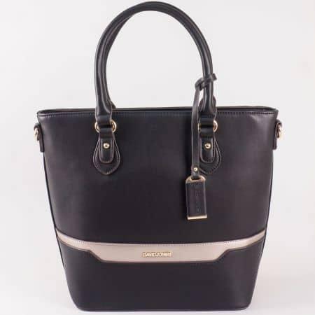 Дамски стилна чанта с две дръжки и атрактивна визия на David Jones в черен цвят ch5110-3ch