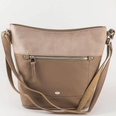 Дамска чанта David Jones в кафяв цвят с бежов акцент ch5250-2k