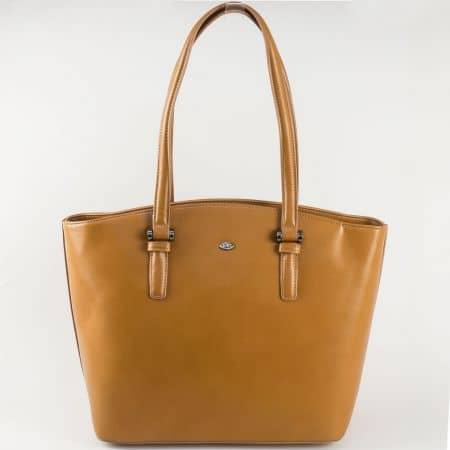 Дамска кафява чанта със средна дръжка и външен заден джоб с цип на френският производител- David Jones  ch5263-2k