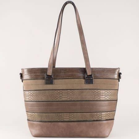 Дамска чанта в комбинация от висококачествена еко кожа и велур ch588k