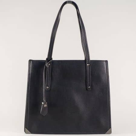 Дамска чанта в черен цвят с правоъгълна форма ch602ch