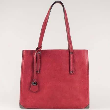 Червена дамска чанта с практично разпределение ch602chv