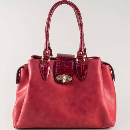 Ежедневена дамска чанта на български производител в червено ch619chv