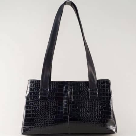 Черна дамска чанта с две удобни дръжки и интересен принт ch668ch