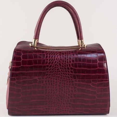 Дамска чанта в цвят бордо с кроко принт  ch678bd