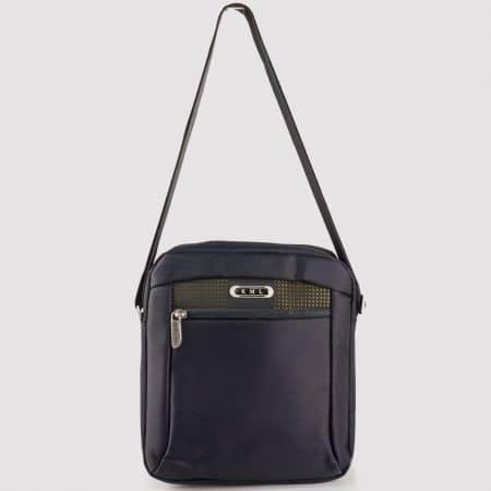 Мъжка ежедневна чанта с дълга дръжка и две прегради на български производител в черен цвят ch8067ch