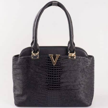 Дамска практична чанта с атрактивна визия на български производител в черно ch881ch