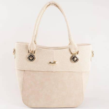 Дамска чанта за всеки ден с атрактивна, свежа визия на известен български производител в бежово ch882bj