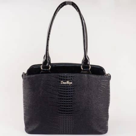 Дамска чанта за всеки ден със стилна визия на водещ български производител в черно ch885ch