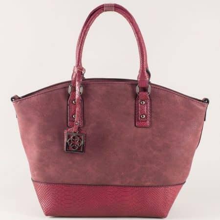 Дамска чанта в цвят бордо с две къси и допълнителна дълга дръжка ch90531bd