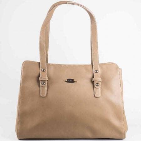 Дамска ежедневна чанта на известния френски производител David Jones в бежов цвят cm2722bj