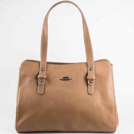 Дамска стилна чанта на известния френския производител David Jones в кафяв цвят cm2722k