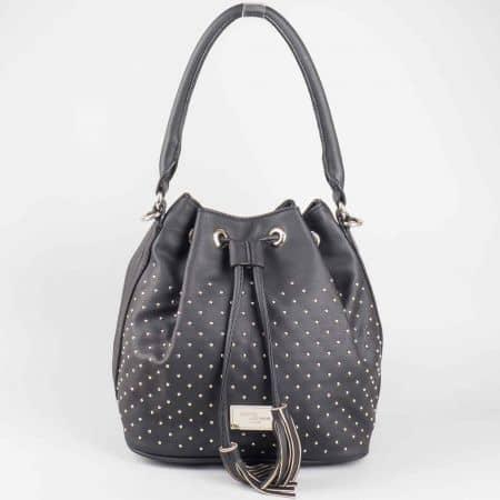 Ежедневна черна дамска чанта с атрактивна визия David Jones cm3048ch