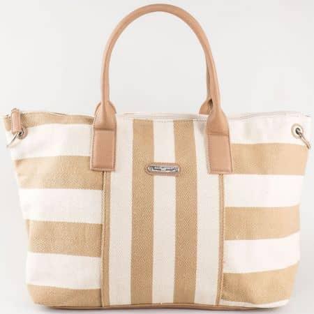 Дамска ежедневна чанта със свежа лятна визия на известния френски производител David Jones в кафяво и бяло cm3085k