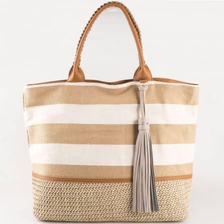 Дамска чанта за всеки ден с лятна визия и пискюл на френския производител в кафяво и бяло cm3087k