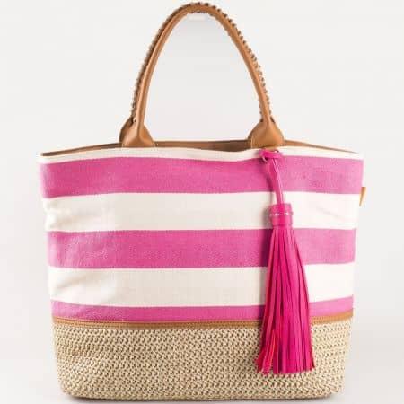 Дамска лятна чанта с пискюл и атрактивна визия на френския производител David Jones в розово и бяло cm3087rz