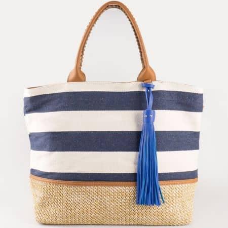 Дамска атрактивна чанта в синьо и бяло райе с пискюл на френския производител David Jones cm3087s