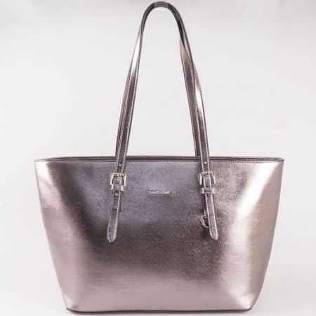 Дамска чанта за всеки ден със стилна визия на известния френски производител David Jones в кафяв цвят cm3093k