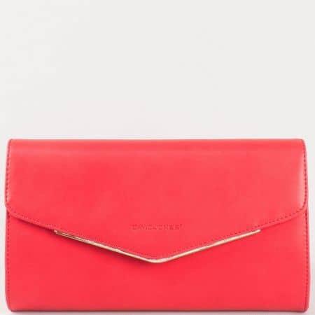 Дамска стилна чанта, тип ключ, с преден капак на френския производител David Jones в червено cm3094chv